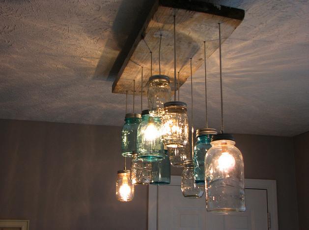 criatividade lustre feito de potes de vidro Lustres e luminárias com vidros reutilizados