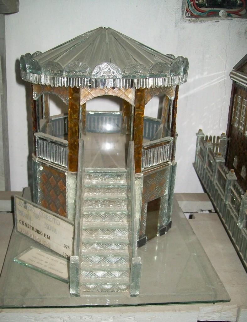 Caso de amor entre o vidro e cidade de Senhor do Bonfim 787x1024 Réplicas em vidro retratam cidade de Senhor do Bonfim