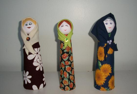 Bonecas de Garrafas de Vidro Reutilizadas - Matrioskas - Gorette Costa