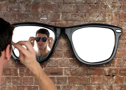 ccbf927c54127 A peça é formada por dois espelhos com um metro de diâmetro cada e