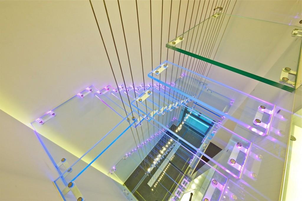 escada-de-vidro-cobertura-triplex-em-tel-aviv-israel