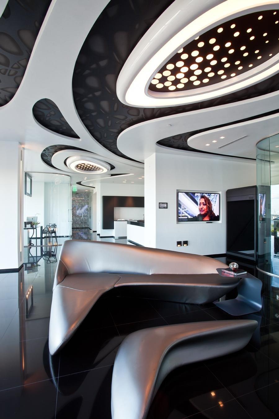 Design de interiores escultural e o contraste minimalista do preto e    Zaha Hadid Museum Interior