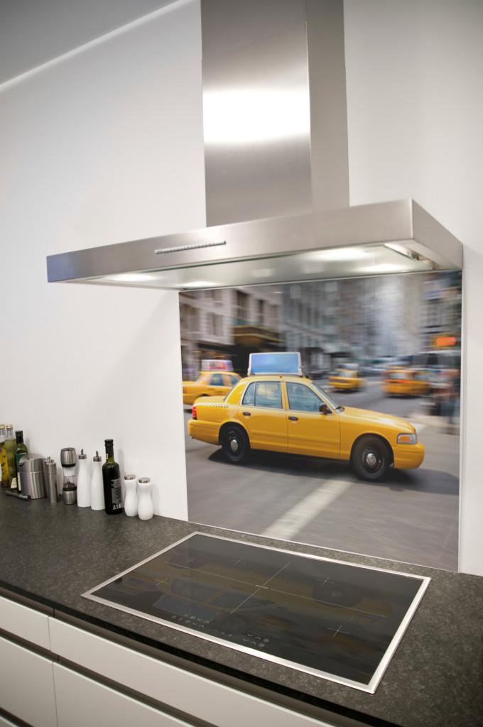 bancada-de-cozinha-em-vidro-personalizado