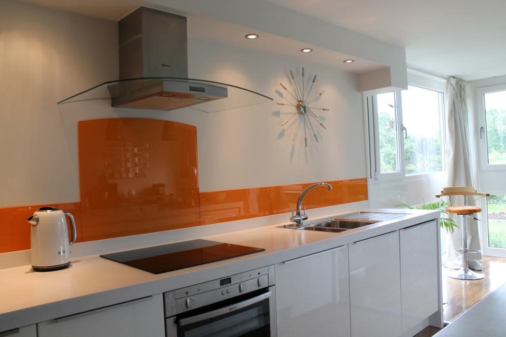 frontao-de-vidro-personalizado-para-cozinha