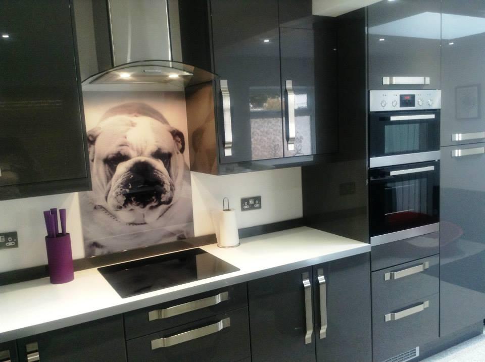 revestimento-de-vidro-personalizado-para-cozinha